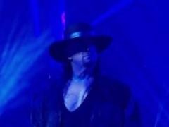 ودعت مصارعة المحترفين الأمريكية WWE الأسطورة أندرتيكر The Undertaker
