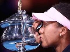نعومي تكتب تاريخ التنس