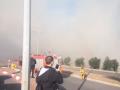 محاولةاخماد حريق شبّ في منطقة حرشية في المنطقة الصناعية ج في مدينة نوف هجليل