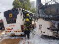 حريق  في حافلة باص وانتشر لباصين اخريين في بني براك