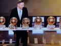 ليونيل ميسي نجم منتخب الأرجنتين ونادي برشلونة يحصل على الكرة الذهبية