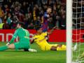 """ميسي يتألق ويقود برشلونة إلى الدور الثاني في """"الأبطال"""""""