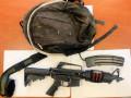 بندقية هجومية تم الاستيلاء عليها في بيت في الرملة